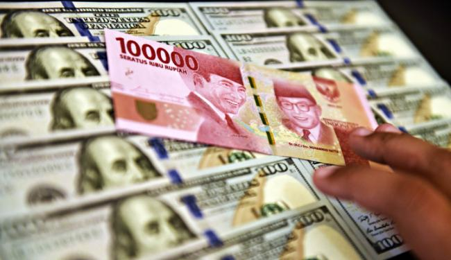 Nahas! Dolar AS dan Global Membalas, Nilai Tukar Rupiah Amblas