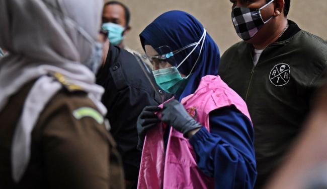 Tampilan Jaksa Pinangki Menjadi Syar'i, Ferdinand Heran: Saya Pikir Pinangki ini Kafir!