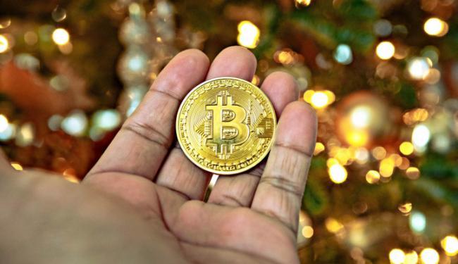 Pertama Kalinya dalam Sejarah, Bitcoin Tembus Rp282 Juta