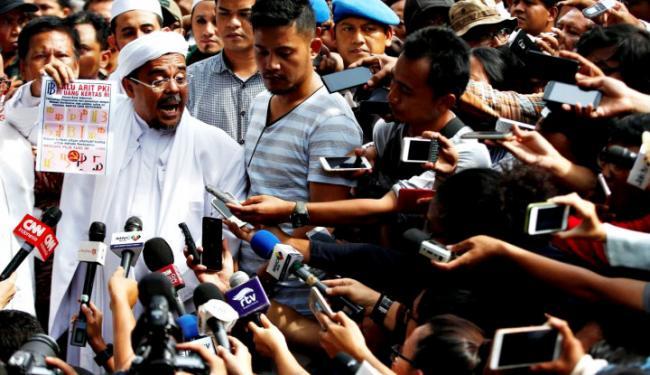 Jangan Kaget! FPI Disebut Radikal dan Anarkistis, Habib Rizieq Bereaksi