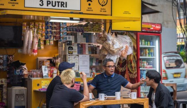 Warung Pintar & BukuWarung Bersatu Padu Digitalisasikan Warung Kelontong