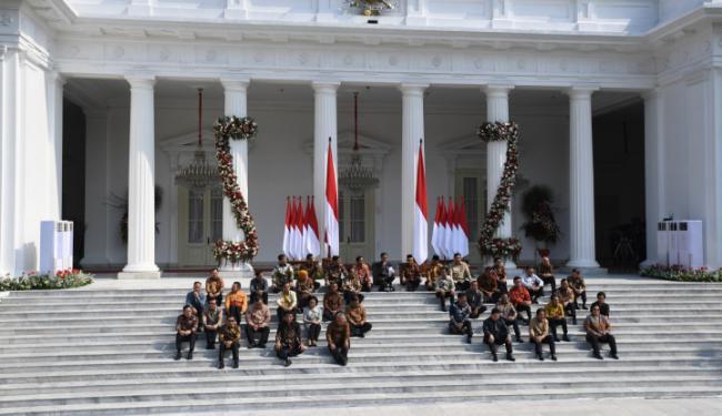 Kepala Negara Sedang Pening, Pak Jokowi, Reshuffle Kabinet Tidak Jadi?