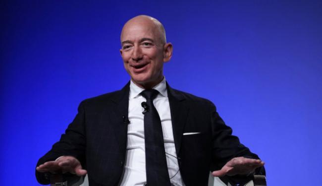 Jeff Bezos Jual Saham Amazon Rp43 Triliun, Kekayaannya Makin Gak Kekejar!