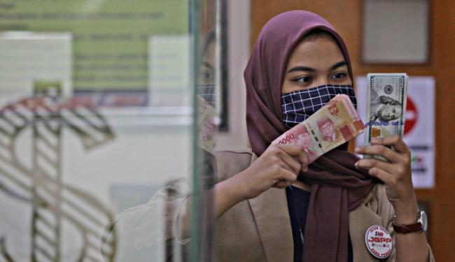 Malang Tak Boleh Ditolak, Mujur Tak Boleh Diraih: Rupiah Sudah Remuk Luar Dalam!