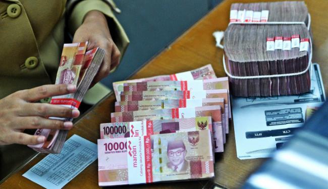 Rupiah, Satu-Satunya Mata Uang Asia yang Bikin Dolar AS Rontok!