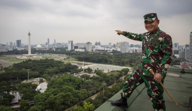 Penampakan Mayjen TNI Dudung Gagah Berdiri di Hadapan Ribuan Massa FPI