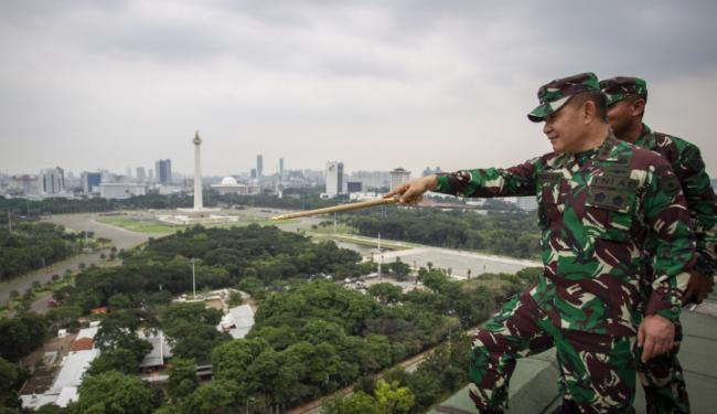 Kemunculan Pasukan Elite di Sekitar Markas FPI hingga Mutasi Perwira TNI