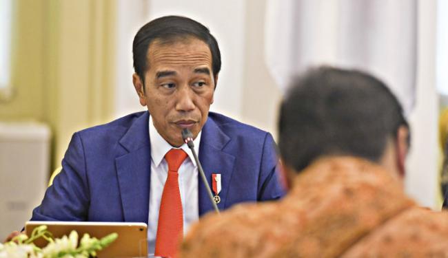 Jokowi Diklaim Bisa Bikin Emmanuel Macron Minta Maaf Sebab Presiden RI Punya....