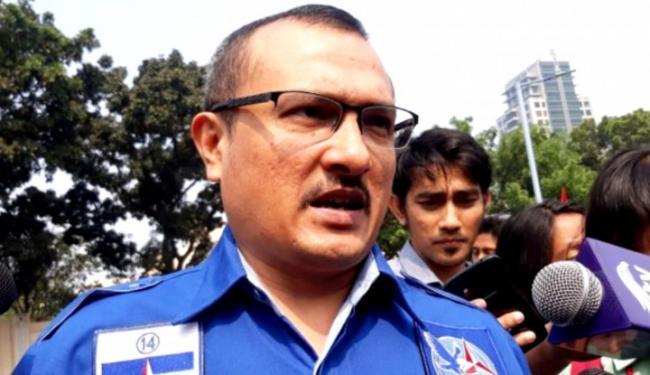Makin Hot! Ferdinand Balas Cuitan Tengku Zul, Terus Bilang: Begini Saja Tak Paham