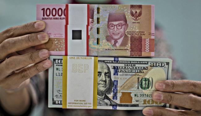Bravo! Dolar AS dan Mata Uang Global Tunduk Gara-Gara Rupiah Ngamuk!