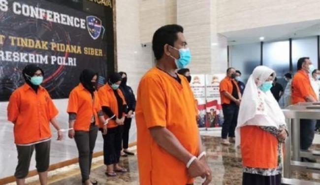 Jawaban Berkelas Mabes Polri Soal Petinggi KAMI Diborgol dan Pakai Baju Tahanan