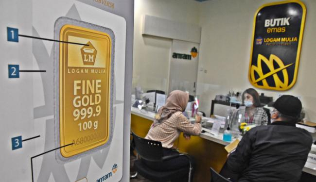 Alamak...! Harga Emas Antam Hari Ini Rontok ke Rp960 Ribuan!