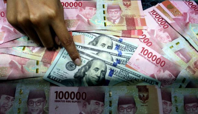 Dolar AS Mengamuk, Rupiah Hari Ini di Ujung Tanduk!