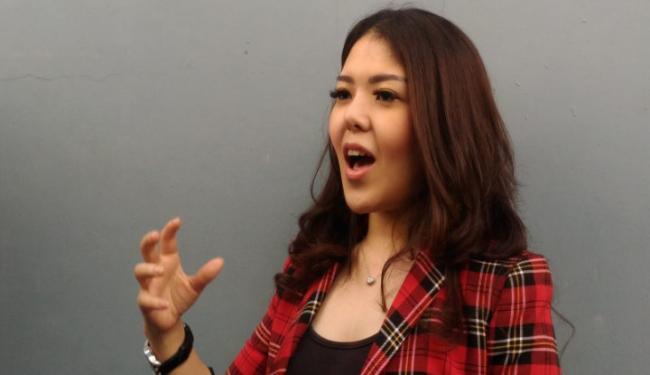 Tina Toon Ajak Warga Kota Depok Pilih Pradi dan Afifah